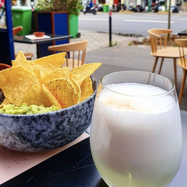 APERO'CLOCK 🍸🥑 by @parisianjim  #marais #paris #machefertgroup #inkarestaurant #lemarais #machefert #terrasse #1kparis #lamezcaleriaparis #summerinparis #peruvianfood #machefertfamily
