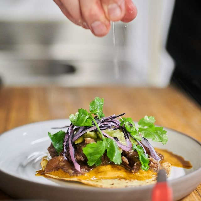 Happy Friday! Here's a deliciously handmade taco, just for you.  Order link in bio 👉 @inka_restaurant  📸@dbbpictures  #fresh #bio #organic #taco #hungry #dinner #delicious #handmade #paris #restaurant #bar #delivery #livraison #clickandcollect #uber #ubereats #hotel