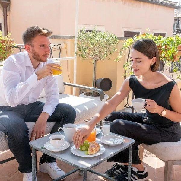 Sunday vibes ☀️    Time to take it slow and indulge in a scrumptious breakfast while basking in the warmth of Terrazza del Cesàri.    -    Sunday vibes ☀️    È il momento di rallentare e di concedersi un'abbondante colazione nel calore della Terrazza del Cesàri.  #9hotelcollection #9hotelcesari #wheninrome #rome #roma #visitrome #igersroma #romeitaly #italianholiday #travelerinrome #besthotels #luxuryhotelsworld #romehotel #romehotels #hotelroma #hotelrome #hotelsinrome #uniquehotels #rometravel #rometrip #romevacation #luxuryitaly #rooftoprome #rooftopbar #roofterrace