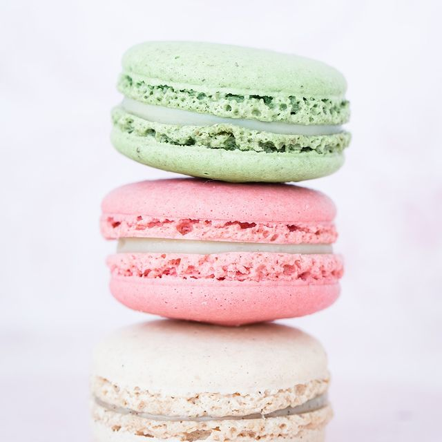 One of many France's delightful treats Macaroons have a special place in our hearts 😋 . . . #9hotelcollection #paris #france #travel #food #macaroons #yummy