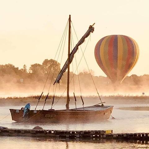 chateau de la loire en montgolfière