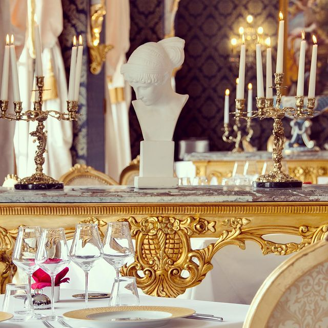 Putting together the finishing touches in Le Louis XIII Restaurant's Grand Dining Room...✨✨✨