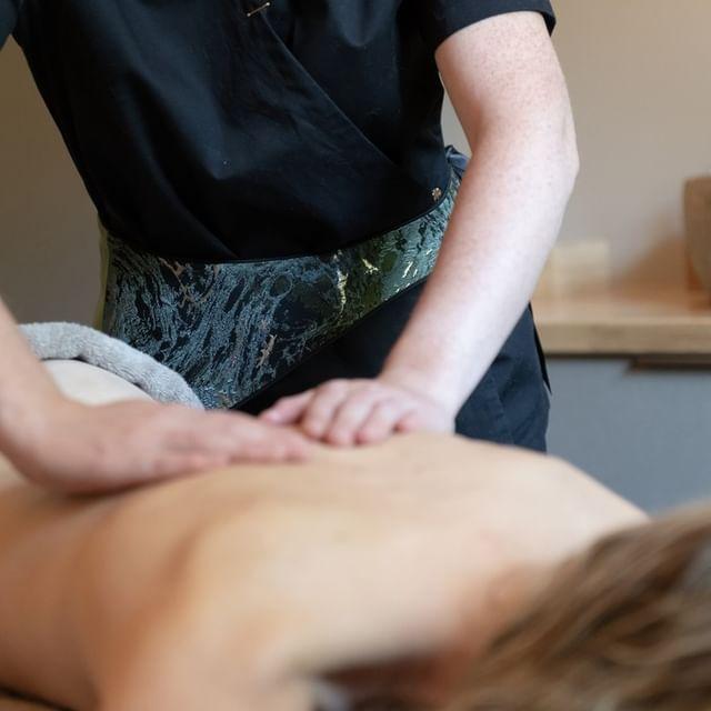 [𝗕𝗜𝗢 𝗦𝗣𝗔] Avec ses 600 m² dédiés au bien-être et au soin, le Bio Spa du Château de Massillan est l'un des mieux équipés de la région. Et si vous veniez vous faire plaisir ?  📌Château de Massillan 730, Chemin de Massillan  84100 Uchaux ☎Tel du Spa : +33 (0)4 90 40 69 70  📧spa@chateaudemassillan.fr  #spa #beauty #skincare #relax #massage #wellness #facial #salon  #hotel #pedicure #spaday #sauna #health #skincareroutine #beautiful #waxing #as #instagood #bhfyp #spaday #provence #biospa #vaucluse #avignon #luxuryspa