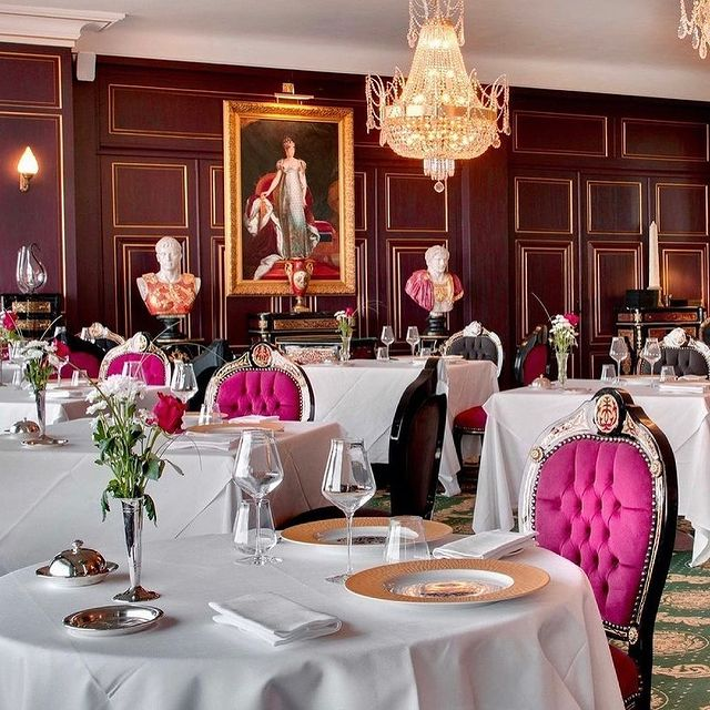 Restaurant décor goals... 👏🏼👏🏼😍😍