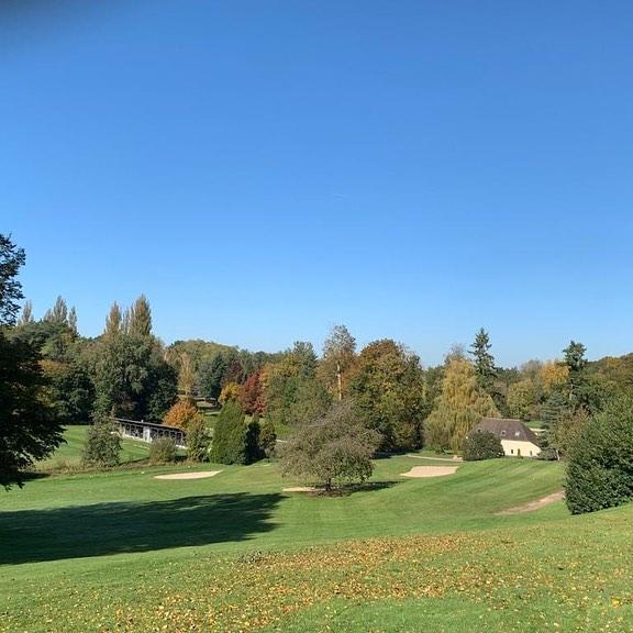 Le parcours prend ses couleurs d'Automne…un beau week-end en perspective…. 10eme finale du grand trophée 😎 ⛳️🏌️♀️🏌️♂️#golf #golfaddict #golfcompetition #instagolf #frenchgolf #golfcoursephotography