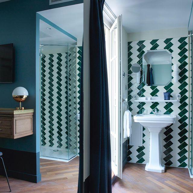 Bathroom details & warm colors by @dorothéemelichzon