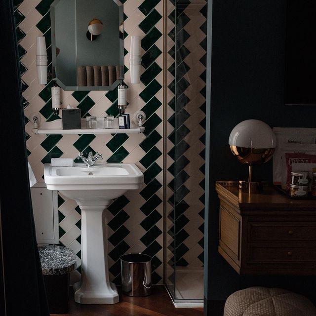 Your favorite Hotel bathroom  #hotelbachaumont