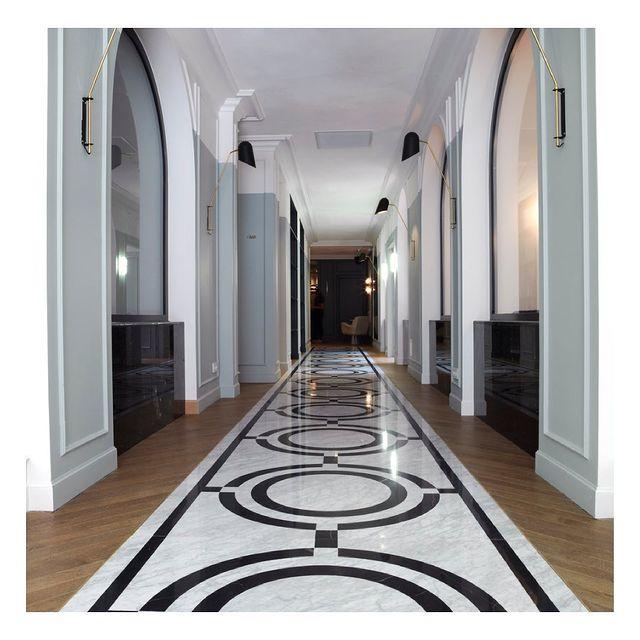 Direction, l'art de vivre à la française. . . . #hotelbachaumont #bachmontorgueil #vivremontorgueil #artdeco #architecture #paris