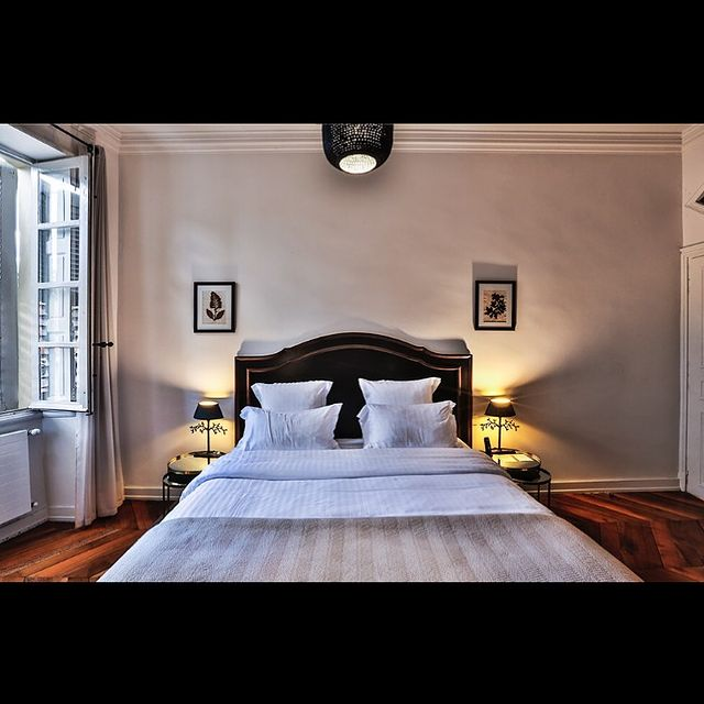 [VEILLER AU REPOS] 😴 Votre sommeil est notre mission: vous permettre de dormir sereinement, bercé par la douceur de notre maison —— notre engagement au quotidien.  🛌 Our aim is to make sure that your sleep is comfortable and peaceful —— come and rest in the nest of our mansion.  Crédit photo @reaktion_photos   ✅ Contact DreamTeam: 📞 +33 (0)4 7506 9750 💌 contact@hoteldelavilleon.com  Hôtel de la Villeon **** 2 rue Davity 07300 Tournon-sur-Rhône (Ardèche - 50mn au sud de Lyon)   #emerveilles07 #ardeche #ardèche #ardechetourisme #auvergnerhonealpestourisme #hermitagetournonais #hermitagetournonaistourisme #ardechehermitage #hoteldeluxe #summer2021 #atoutfrance #visitardeche #visitardèche #visitfrance #explorefrance #tourismebienveillant #bestplacestogo #francetourisme #francefocus_on #merveillesdefrance #francestyle #hospitalityindustry #hospitalitylife #welcome #igerslyon #lyontourisme #dromeardeche #drômeardèche