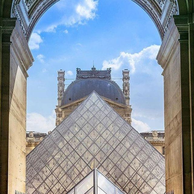 Can't wait to visit the Louvre again🥰  📸 @americainparis          #travelblogger #parisjetaime #instatraveling #traveler #tourism #parislovers #traveltheworld #holiday #parisphotography #travelgram #parissecret #paris #city #travelphotography #wanderlust #travel #travelpics #holidays #instatravel #beautifulparis #travel #parisiens #instapassport #adventure #france #tourist #explore #parismonamour #visiting #beautifuldestinations