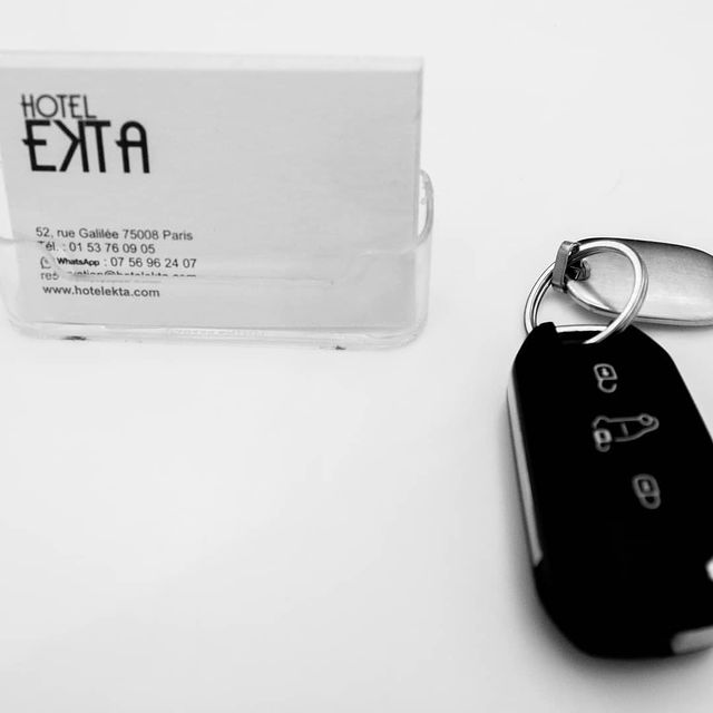 Not easy to come in Paris with a car ? Don't worry, at the Ekta Hotel we have a car park just for you !