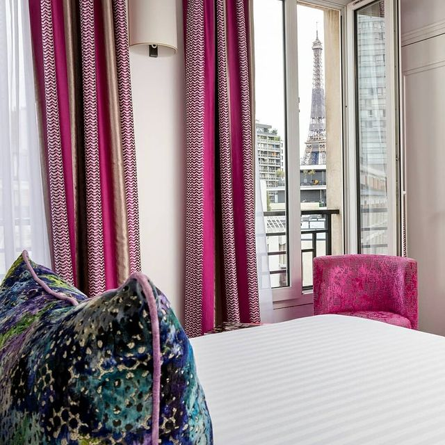 ➡️Want to discover Paris ? It's time to book your room at the Gustave hotel !🗝️