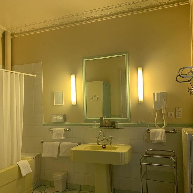 hotel antin trinite paris france