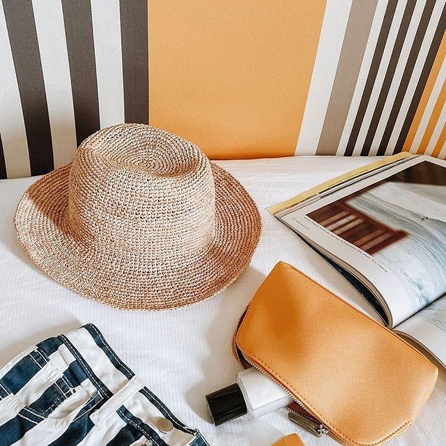 Les indispensables de l'été : êtes-vous prêt pour votre sortie plage ? 🏖️ . . Summer essentials : are you beach ready ?🏖️  #SaintJulienBiarritz #GintoHotels