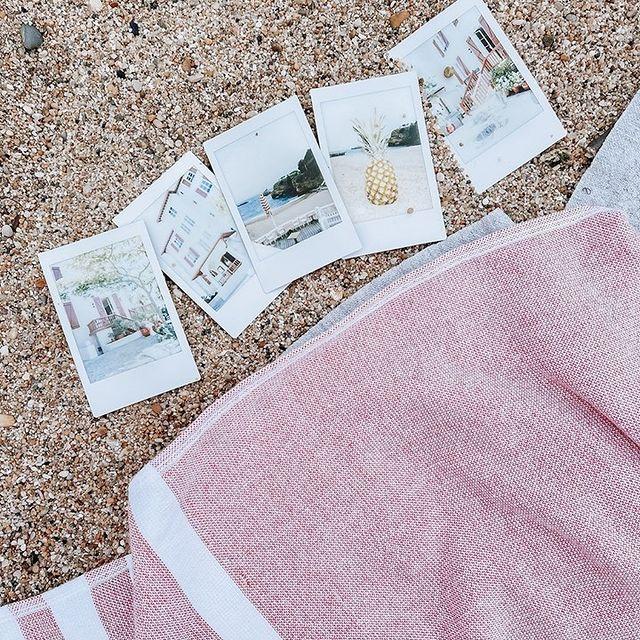 Les plus beaux souvenirs de vacances se créent à la plage ! Taguez-nous sur vos photos de vacances en utilisant #SaintJulienBiarritz ! 📸 . . Life's best memories are made by the beach! Tag us on your summer holidays photos using #SaintJulienBiarritz ! 📸  #GintoHotels