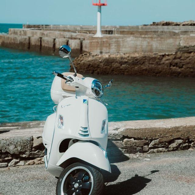 Ce n'est pas la route qui compte, c'est la destination. 🏍️ . . It's not the route, it's the destination 🏍️  #SaintJulienBiarritz #GintoHotels