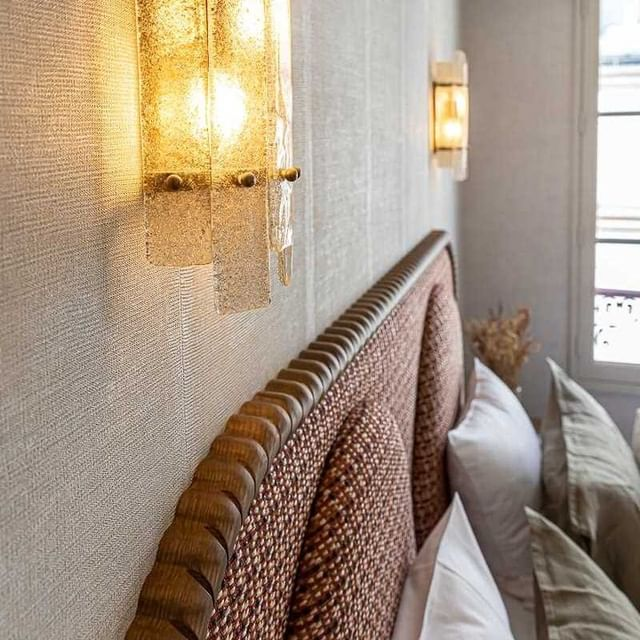 Le bois tourné comme fil rouge d'une décoration choisie. - The wood turned as a red thread of a chosen decoration.  #hotelsookie #parisianhotel #interiordecor #parislemarais #likehome