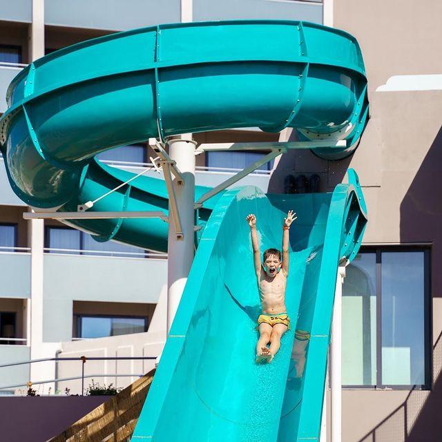 """https://www.jupiterhotelgroup.com/pt/page/offre/yoga-pequeno-almoco-jupiter-marina-hotel.8.html"" ""https://www.jupiterhotelgroup.com/pt/offer/yoga-pequeno-almoco-jupiter-marina-hotel.1441.html"""