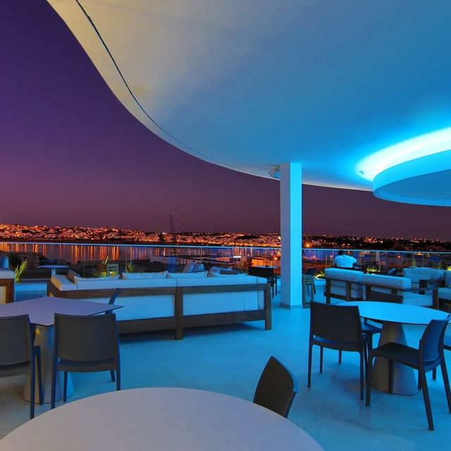 Grab your friends and make the 2021 summer nights in Arade Bar ones you'll remember!  https://bit.ly/394GIDb