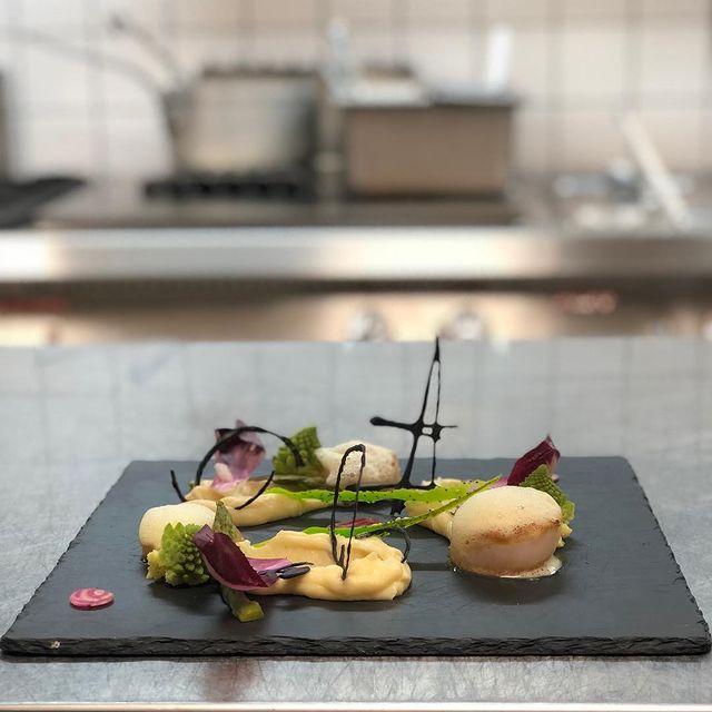 #lacasserole#courchevel#Куршевель#saintjaques#scallop#оболочкисвятойJacque#epicmeal#restaurant#art#foodart#insidethekitchen#yummy#cuisine#francaise