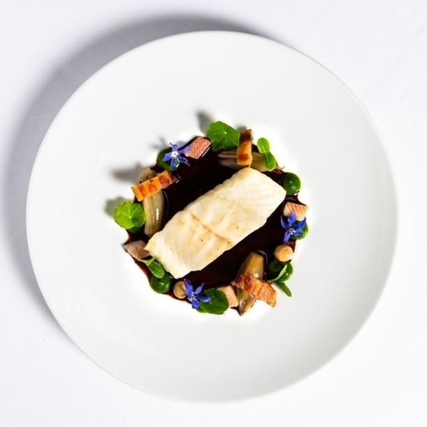 Discover the fresh, local and seasonal cuisine of our Chef @gregoryrejou at L'Envolée Restaurant La Demeure Montaigne, opening November, 2021.  . #hotelopening #frontenacgroup #champselysees #avenuemontaigne #5starhotel #hotelspaparis #interiordesign #frenchdesign #5starhotelparis #hotelparisopening #travelgram #instatravel #parisianlife #parishotel #tasteintravel #parisfood #healthyfood #parisfoodguide #bonneadresseparis  #paris8 #hotelparis8 #hotelrestaurant #parisrestaurant #luxuryhotel #besthotelsparis #dreaminparis #hoteldesign #lenvoleerestaurant #magicmoments