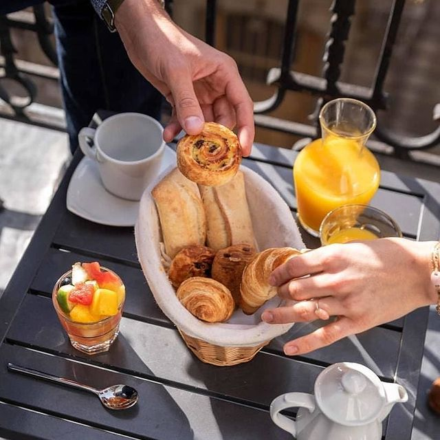 Every morning should be like that🥐 ☕