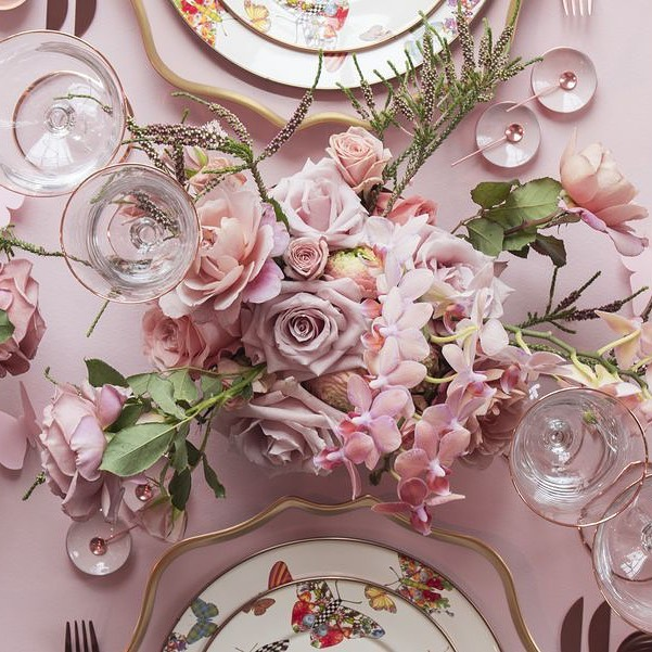Notre équipe réalisera les rêves de décoration florale et de table de votre mariage ! 🌸  ~~~~~~~~~~~~~~~~~~~~~~~~~~~  Our team will make your wedding's floral & table décor dreams come true 🌸 #YCMoments #ChateauDeLaPerriere #YounanCollection • • •  #flowers #nature #flower #love #photography #flowerstagram #naturephotography #garden #art #spring #beautiful #photooftheday #flowersofinstagram #instagood #plants #summer #instagram #flowerphotography #macro #like #flores #photo #naturelovers #wedding #beauty #green #roses