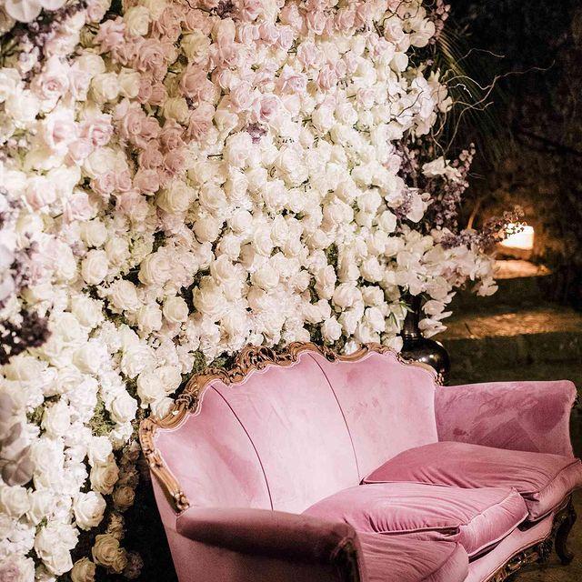 Notre personnel expérimenté est formé à la création de décors époustouflants et d'opportunités de photos pour votre journée romantique et spéciale 🌸💓  ~~~~~~~~~~~~~~~~~~~~~~~~~~~~~~~~~~~~~  Our experienced staff is trained in creating stunning décor and photo opportunities for your romantic and special day 🌸💓 • • • #ycmoments #chateaudelaperriere #younancollection #weddingdesign #wedding #weddinginspiration #weddingplanner #weddingdecor #weddingday #weddingideas #weddingplanning #weddinginspo #bride #weddingflowers #destinationwedding #luxurywedding #weddings #eventdesign #weddingphotography #weddingstyle #weddingdetails #weddingdecoration #bridetobe #eventplanner #weddingdesigner #weddingdress #love #instawedding #weddingseason #flowers