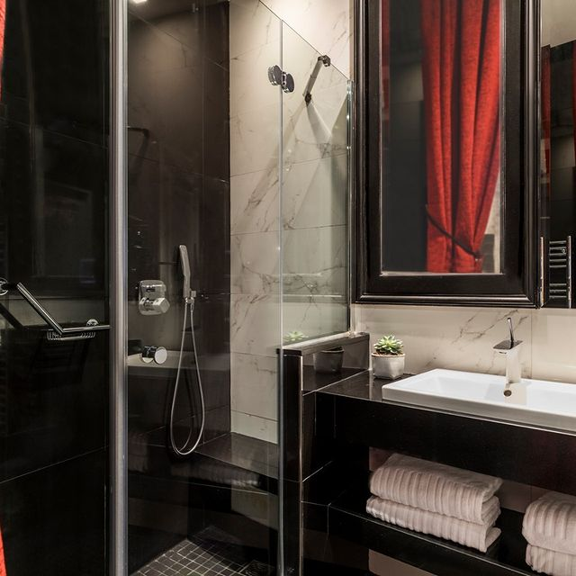 hotels near the champs elysees