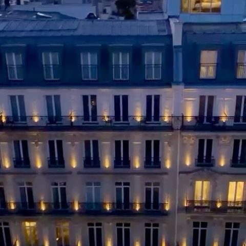 Incredible view of @maisonalbarhotels_pontneuf by @jezza.pritchard ! Thanks a lot 🙏🏻 #hôtel #france #france🇫🇷 #paris #roof #rooftop #rooftopparis #casuallyluxurious #maisonalbar #maisonalbarhotels #boutiquehotel #travel #city #view #sunset Affiliated to @hotelspreference