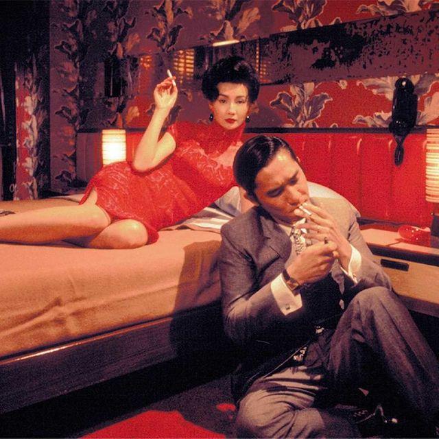"""À l'occasion de sa ressortie en salles, (re)découvrez """"In The Mood for Love"""" de Wong Kar Wai, dans l'intimité de la salle de projection privée de l'une de nos deux Suites-Cinéma.  ❤️ Réservation : lien dans la bio @mk2hotelparadiso  ❤️ Bookings """"Suite-Cinema"""" : link in bio @mk2hotelparadiso   #mk2HotelParadiso #CinemaHotel #HotelParadiso #inTheMoodForLove #WongKarWai"""