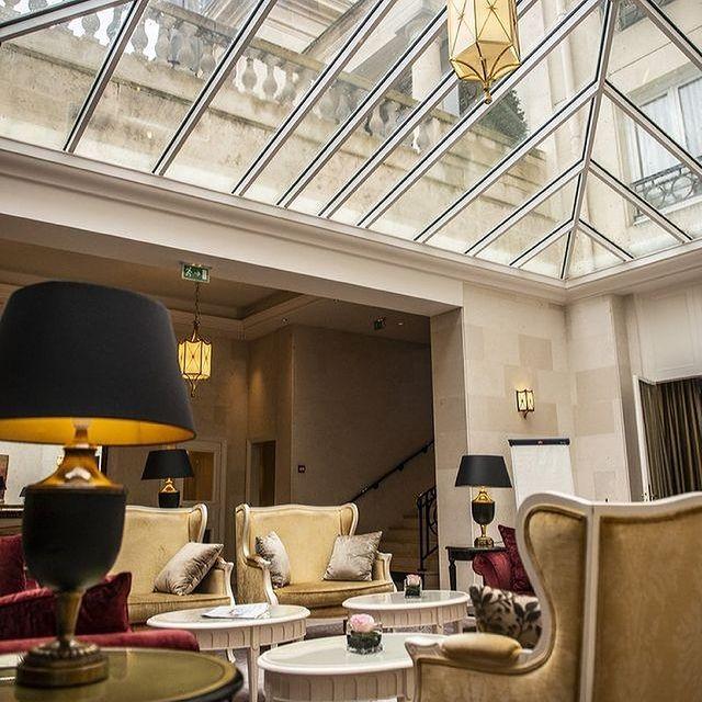 hotels near sial exhibition paris
