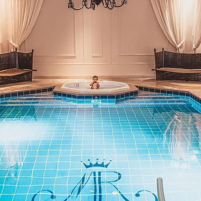 stay in chateau in france