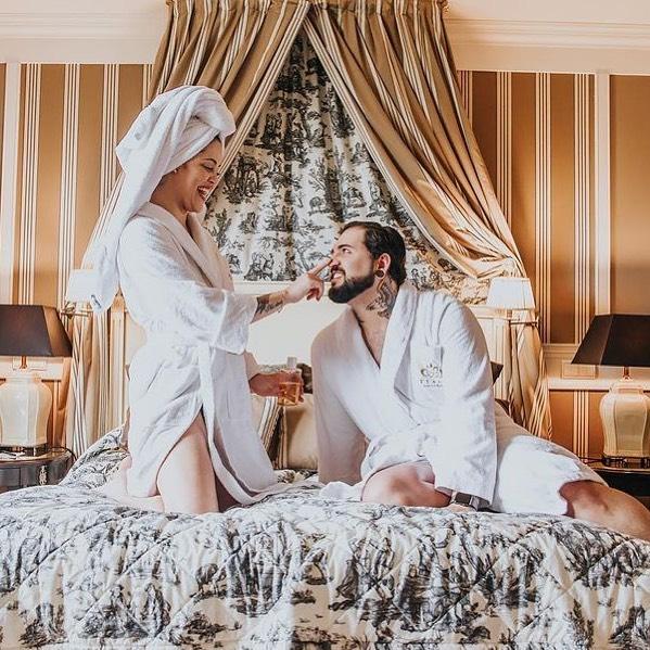 """""""Nous venons de séjourner un week-end au Mont Royal Chantilly pour célébrer nos 25 ans de mariage. Tout était parfait : l'accueil, le spa, le massage et le dîner. Nous avons eu droit à quelques attentions particulières qui nous ont beaucoup touchés : merci encore à toute l'équipe du Mont Royal Chantilly !""""   C'est nous qui remercions LoXitane pour ses mots laissés sur TripAdvisor !   ——  """"We just stayed at the Mont Royal Chantilly for a weekend to celebrate our 25th wedding anniversary.  Everything was perfect: the welcome, the spa, the massage and the dinner. We were treated to a few special attentions that touched us very much: thank you again to the whole team at the Mont Royal Chantilly!""""   Our thanks to LoXitane for her words left on TripAdvisor!   📸 @lu.makeuparis   #MontRoyalChantilly #SmallLuxuryHotels #TiaraHotels #HautsDeFrance #EspritHautsDeFrance #HautsDeFranceTourisme #VacationMood #Travelling #BeautifulDestinations #StayWild #InstaPassport #ExploreToCreate #SimplyAdventure #WildernessCulture"""