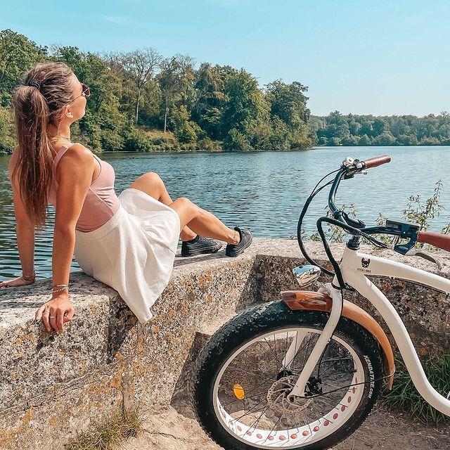 Et si vous débutiez le mois d'août par une agréable balade à vélo jusqu'aux Etangs de Cormelles ?   Au Mont Royal Chantilly, nous imaginons des parcours sur-mesure pour un dépaysement garanti au cœur de la Forêt de Chantilly !   ——  How about starting August with a fun bike ride to the Etangs de Cormelles?   At Mont Royal Chantilly, we create tailor-made routes so you can get away from it all surrounded by Chantilly Forest!   #MontRoyalChantilly #TiaraHotels #Chantilly #HautsdeFrance #BeautifulDestination #Hautsdefrancetourisme #EspritHautdeFrance #ChateauHotel #SmallLuxuryHotels #TravelFrance #LuxuryTrip #FranceTourisme #Baladeavelo