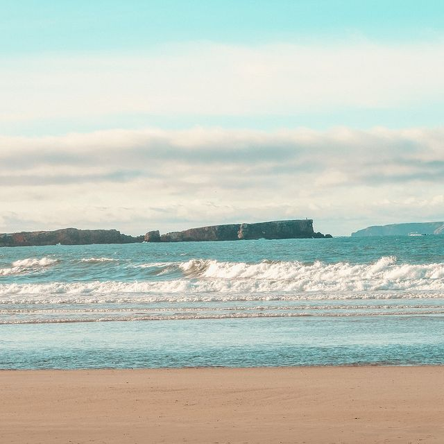 Já a pensar no próximo destino de férias? A praia do Baleal é tudo o que precisa para desfrutar de umas férias em tranquilidade e segurança 😊