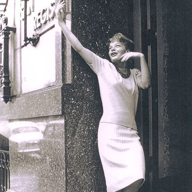 She was one of our regular guests and we were one of her numerous admirers.  Today, September 23rd, Romy Schneider would have been 82.  With her elegance and spontaneity, she poses here, radiant, in front of the entrance of the San Regis.  ❤️❤️❤️ Elle faisait partie de nos habitués et nous faisions partie de ses admirateurs. Romy Schneider aurait fêté ce mercredi 23 septembre ses 82 ans. Avec son élégance et sa spontanéité, elle pose ici, radieuse, devant l'entrée du San Régis.  ❤️❤️❤️ #sanregisparis #romyschneider #tribute #memory #icone #happybirthday #exclusiveguests  #exclusiveplace #familyhome #history #authenticity #authenticparis #nostalgia