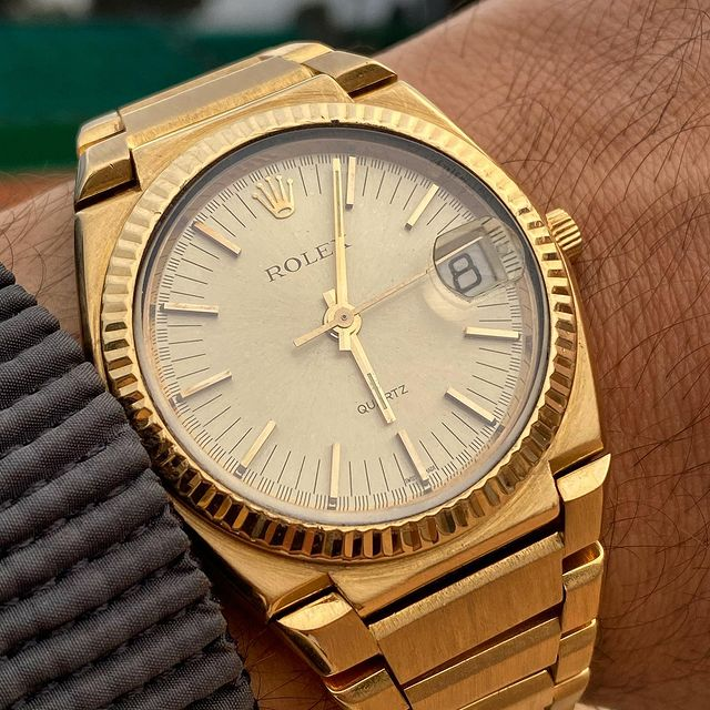 "Rolex ""Texano"" 5100 from 70' first Rolex quartz ever, designed by Gerald Genta ! 1000 pcs only, 900 in yellow gold and 99 in white gold, 1 in platinum. 39mm of pure pleasure 🔥"