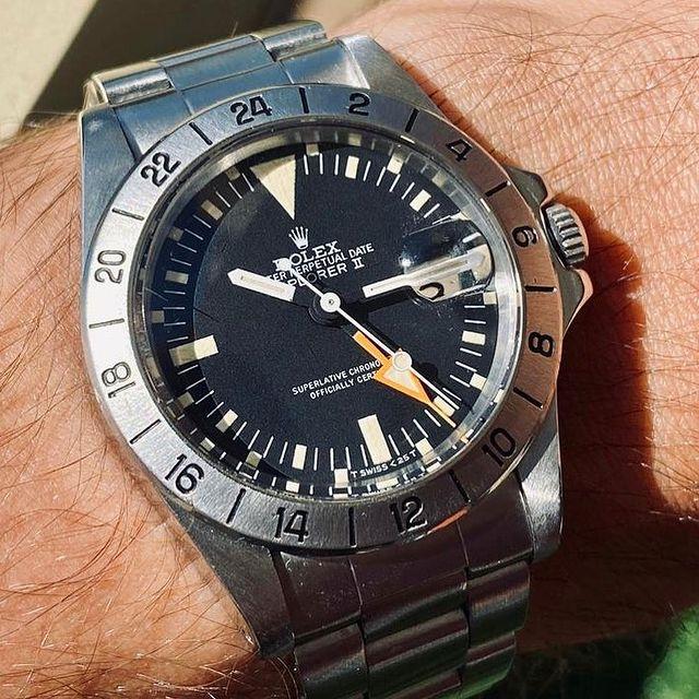 "Rolex Explorer II ""Freccione"" 1655 🍊 #rolex #rolexexplorerii #explorer #rolexgmt #gmt #rolexexplorer2 #rolex1655 #1655 #vintagerolex #rolexcollector #rolexsports #rolexpassion #watchoftheday #watchaddict #watchcollector #watchfam #watchmania #luxurywatches #watchoftheday #watches"