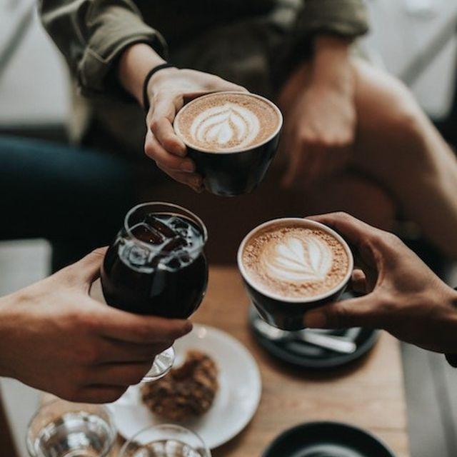 TULIP CAFE ☕ Pour faire une pause ou le temps d'attendre votre collègue toujours en retard, pensez aux Tulip Café !  Situé en bas des Tulip Résidences, ils vous accueillent de 6h30 à 23h pour un service en continu de boissons et de collations ainsi qu'une petite boutique de produits régionaux et de dépannage.   👉 Des formules adaptées à chaque moment de la journée !  #breakfast #petitdejeuner #breakfastideas #breakfasttime #breakfastlover #petitdej #morning #morningroutine #morningvibes #morningmotivation #appartcity #apparthotel #hotel #buffet #offre #promo #coffee #coffeevibes #tulipresidences #tuliphotel #apparthotel #aparthotel