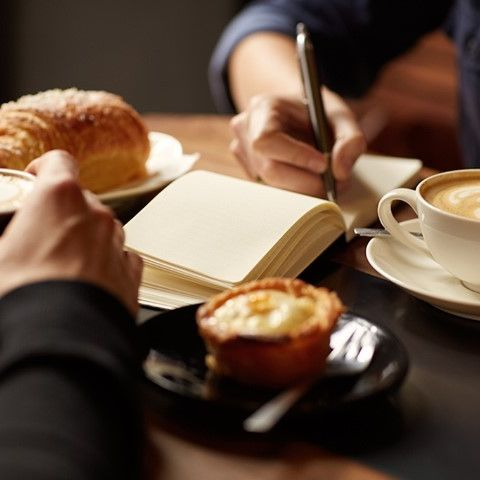 POUSSEZ LES PORTES 🚪 Tulip Résidences, c'est aussi un Tulip Café qui vous accueille de 6h30 à 23h pour vous proposer un lieu cosy et chaleureux.  Aucune obligation de résider au sein de l'un de nos appartements pour profiter de notre service en continu au Tulip Café, nous vous ouvrons les bras tout au long de l'année !  Le tester, c'est l'approuver. Pour une heure ou la journée 😉   #PerfectStay #StayLiveEnjoy #CityBreak #TakeCare #WelcomeHome #aparthotel #hotel #travel #tourism #apartments #TulipResidence #hotels #tourisme #servicedapartments #businesstravel #familytravel #travel #instatravel #worktravel #citadines #serviceresidence #instadaily #instatravel #hotelstyle #hotelstays #hotelholidays #luxuryhotel #luxuryhotels #hotelrooms #hoteldesign
