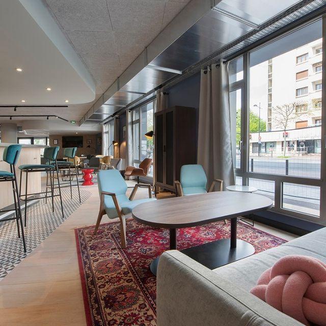 🎒🗓️ C'est la rentrée ! Vous êtes à la recherche d'un environnement cosy et adapté pour vos réunions d'affaires et pour séjourner sur le lieu de vos prochains rendez-vous ?  Direction Tulip Residences ! 👇  Il y a tout ce qu'il vous faut pour travailler efficacement tout en vous sentant comme à la maison. Nos portes sont ouvertes ! 🚪 Il n'y a plus qu'à franchir le pas.   #PerfectStay #StayLiveEnjoy #CityBreak #TakeCare #WelcomeHome #aparthotel #hotel #travel #tourism #apartments #TulipResidence #hotels #tourisme #servicedapartments #businesstravel #familytravel #travel #instatravel #worktravel #citadines #serviceresidence #instadaily #instatravel #hotelstyle #hotelstays #hotelholidays #luxuryhotel #luxuryhotels #hotelrooms #hoteldesign