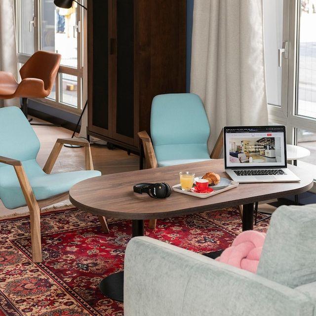 C'est le moment de penser à la fin de l'année ! 💼 Vous préparez vos voyages d'affaires et vous vous demandez où vous allez pouvoir loger durant votre séjour ?  Ne cherchez plus ! 💡 Nous avons tout ce qu'il vous faut pour passer un agréable moment, comme à la maison. Il vous suffit de pousser les portes 🚪 de notre Tulip Residences ! On vous voit bientôt ?   #PerfectStay #StayLiveEnjoy #CityBreak #TakeCare #WelcomeHome #aparthotel #hotel #travel #tourism #apartments #TulipResidence #hotels #tourisme #servicedapartments #businesstravel #familytravel #travel #instatravel #worktravel #citadines #serviceresidence #instadaily #instatravel #hotelstyle #hotelstays #hotelholidays #luxuryhotel #luxuryhotels #hotelrooms #hoteldesign