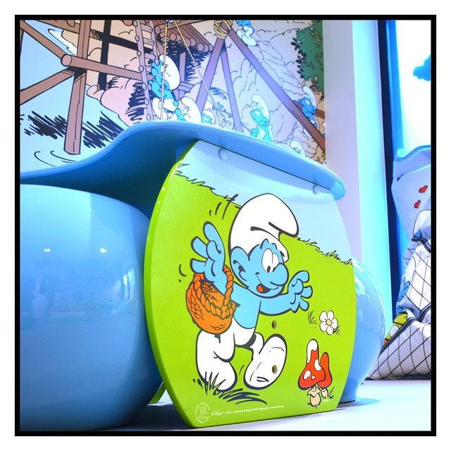 Isn't that Smurfy? 🤩   @smurfsofficial  #yooma #yoomahotel #yoomabrussels #comicstrip #citytrip #open #newhotel #brussels